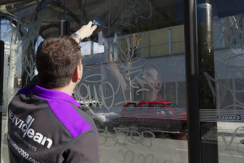 Servicios de limpieza de grafitis