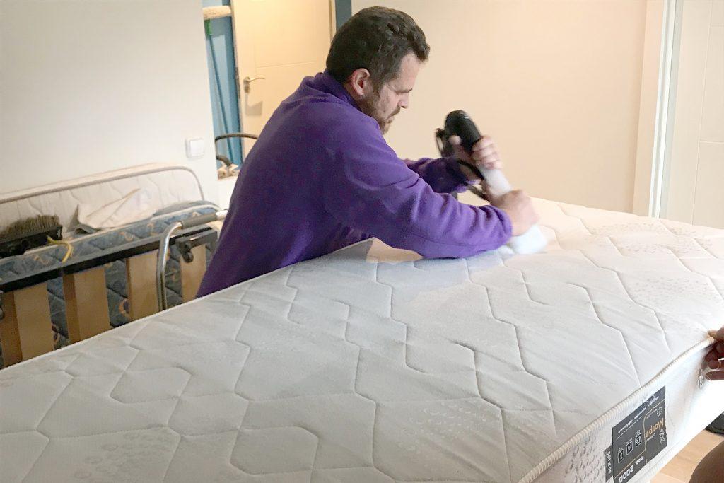 Servicios de limpieza de tapicerias a domicilio